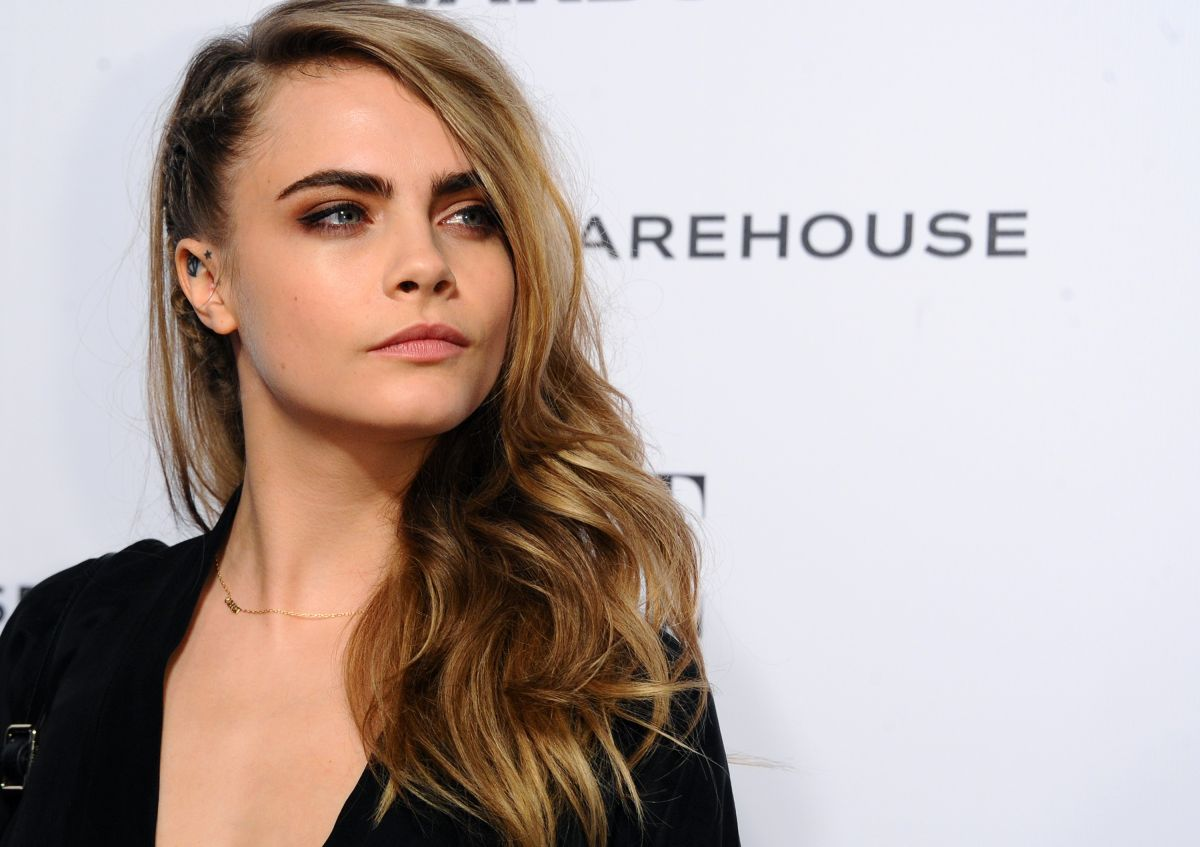cara-delevingne-at-2014-elle-style-awards-in-london_2